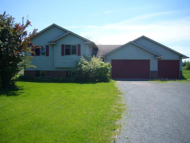 Real Estate for Sale, ListingId: 28592933, Lindstrom,MN55045
