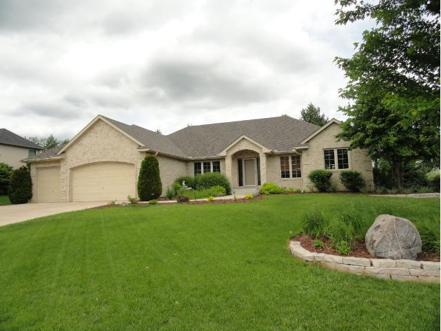 Real Estate for Sale, ListingId: 28735638, Chaska,MN55318