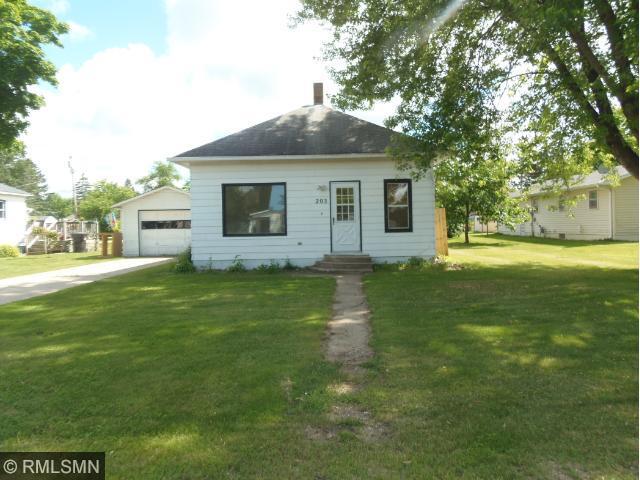 203 Leslie Ave E, Clarissa, MN 56440