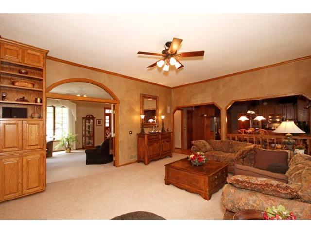 Real Estate for Sale, ListingId: 29105319, Vadnais Heights,MN55127