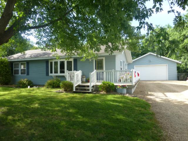 548 N 4th St, New Richmond, WI 54017