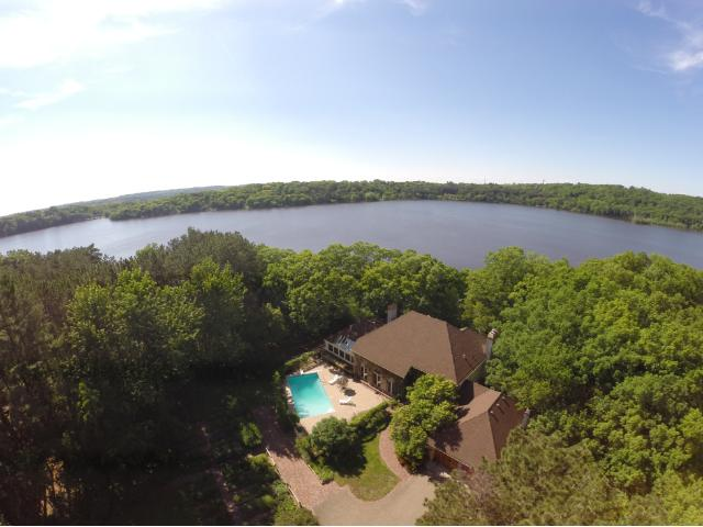 871 Strawberry Dr, Hudson, WI 54016