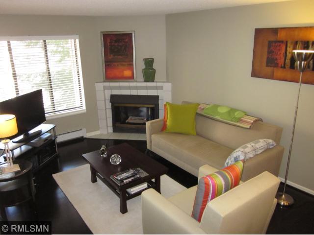 Rental Homes for Rent, ListingId:30172327, location: 7610 York Ave S Avenue Edina 55435