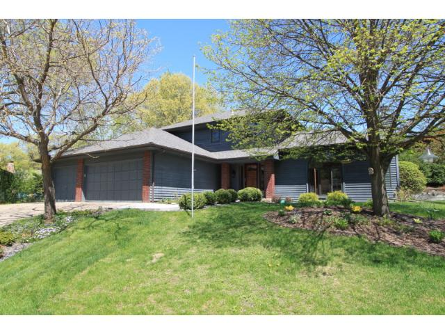 Real Estate for Sale, ListingId: 30443915, Vadnais Heights,MN55127