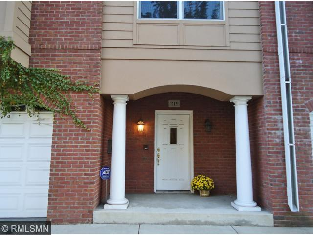 Rental Homes for Rent, ListingId:30733633, location: 219 Groveland Avenue Minneapolis 55403