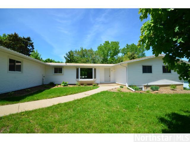 Rental Homes for Rent, ListingId:31274805, location: 1182 Hillcrest Drive Woodbury 55125
