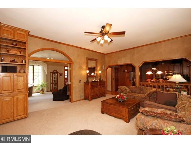 Real Estate for Sale, ListingId: 32071681, Vadnais Heights,MN55127