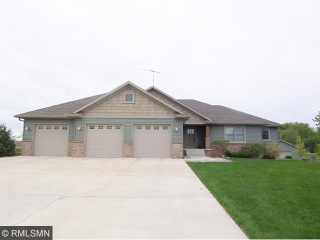 Real Estate for Sale, ListingId: 32343514, Hutchinson,MN55350