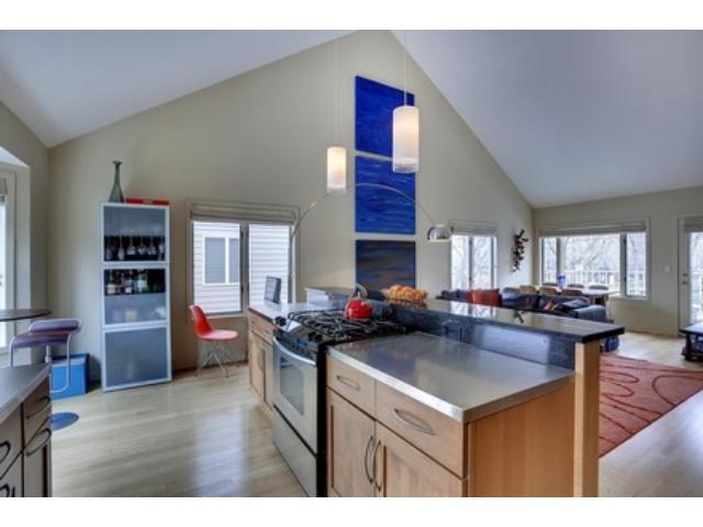 Rental Homes for Rent, ListingId:33121028, location: 2854 Kenwood Isles Drive Minneapolis 55408