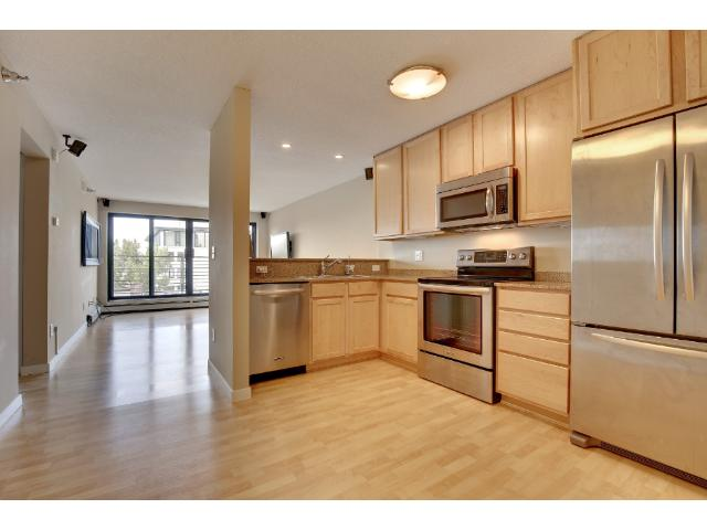 Rental Homes for Rent, ListingId:33394480, location: 48 Groveland Terrace Minneapolis 55403