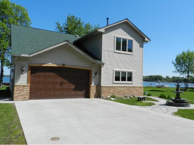 Real Estate for Sale, ListingId: 33629368, Forest Lake,MN55025