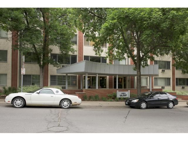 Rental Homes for Rent, ListingId:33996340, location: 2700 W 44th Street Minneapolis 55410