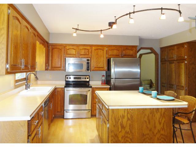 Real Estate for Sale, ListingId: 34176608, Mahtomedi,MN55115
