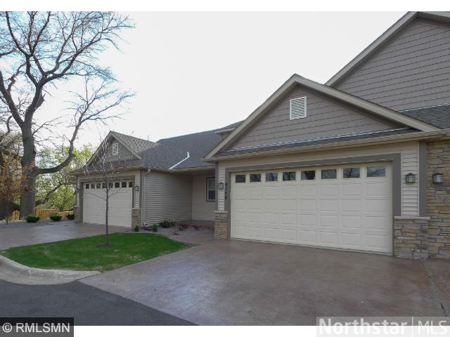 Real Estate for Sale, ListingId: 35112917, Vadnais Heights,MN55127