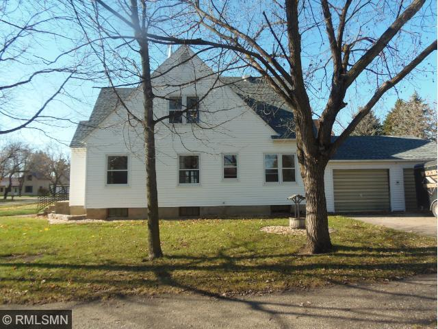 206 Leslie Ave W, Clarissa, MN 56440
