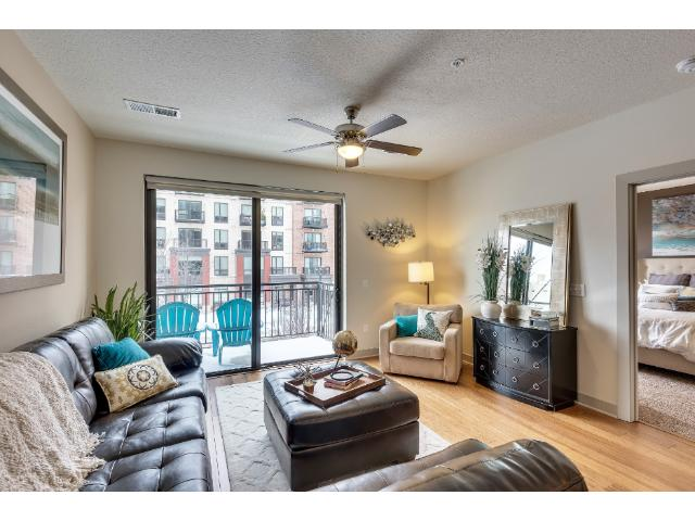 Rental Homes for Rent, ListingId:36381559, location: 2837 Dupont Avenue S Minneapolis 55408