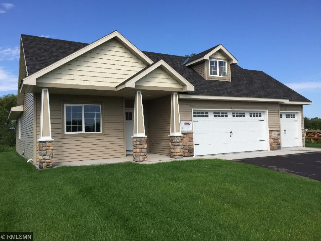 Photo of 1121 Golf Court  Foley  MN