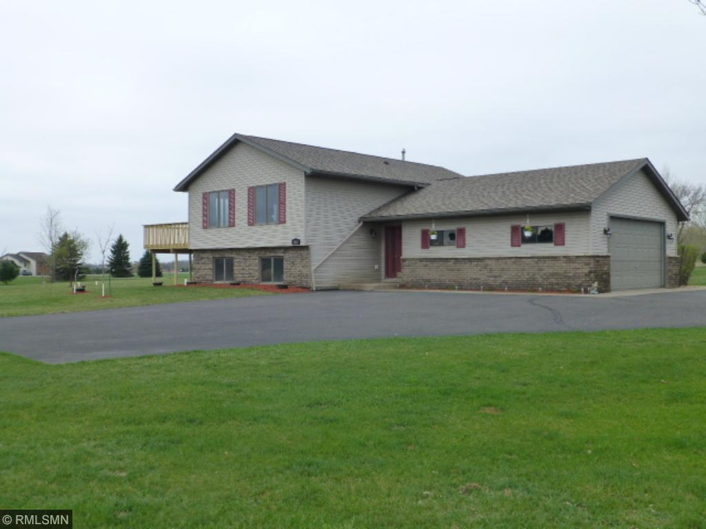 1142 212th Ave, New Richmond, WI 54017
