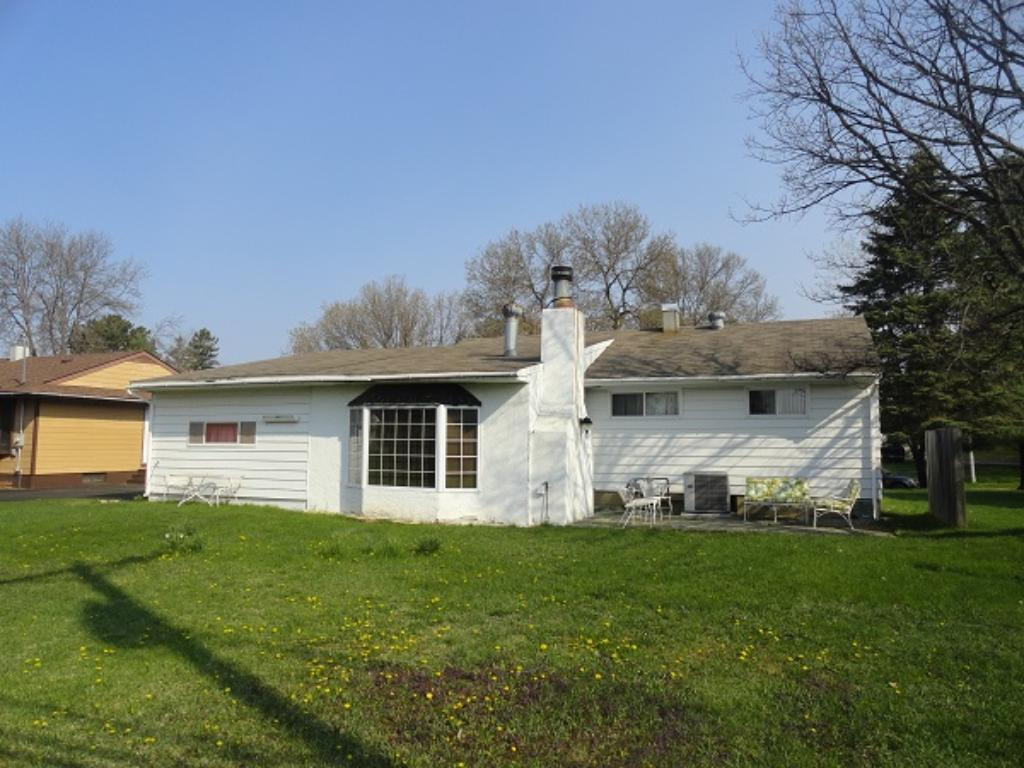 208 Wyandotte Rd, Hoyt Lakes, MN 55750
