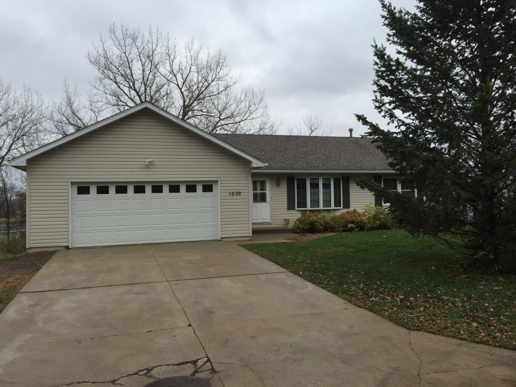 Photo of 1020 2nd Avenue  Howard Lake  MN