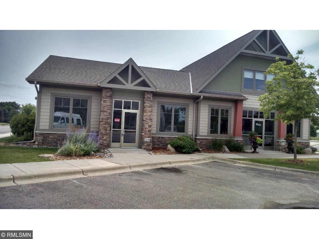 9360 Oak Ave, Waconia, MN 55387