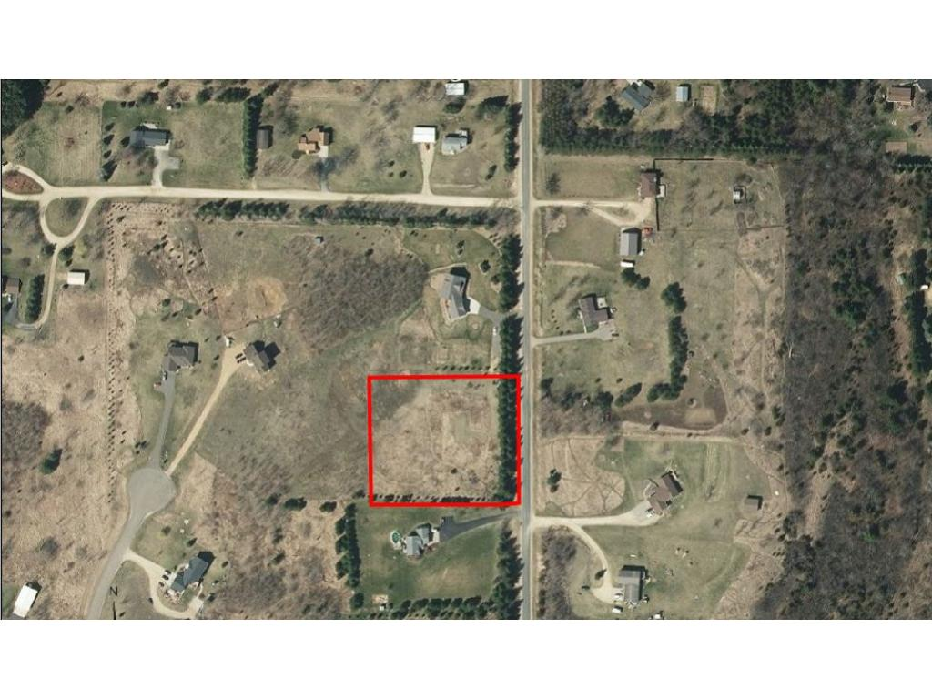636 93rd St, Roberts, WI 54023