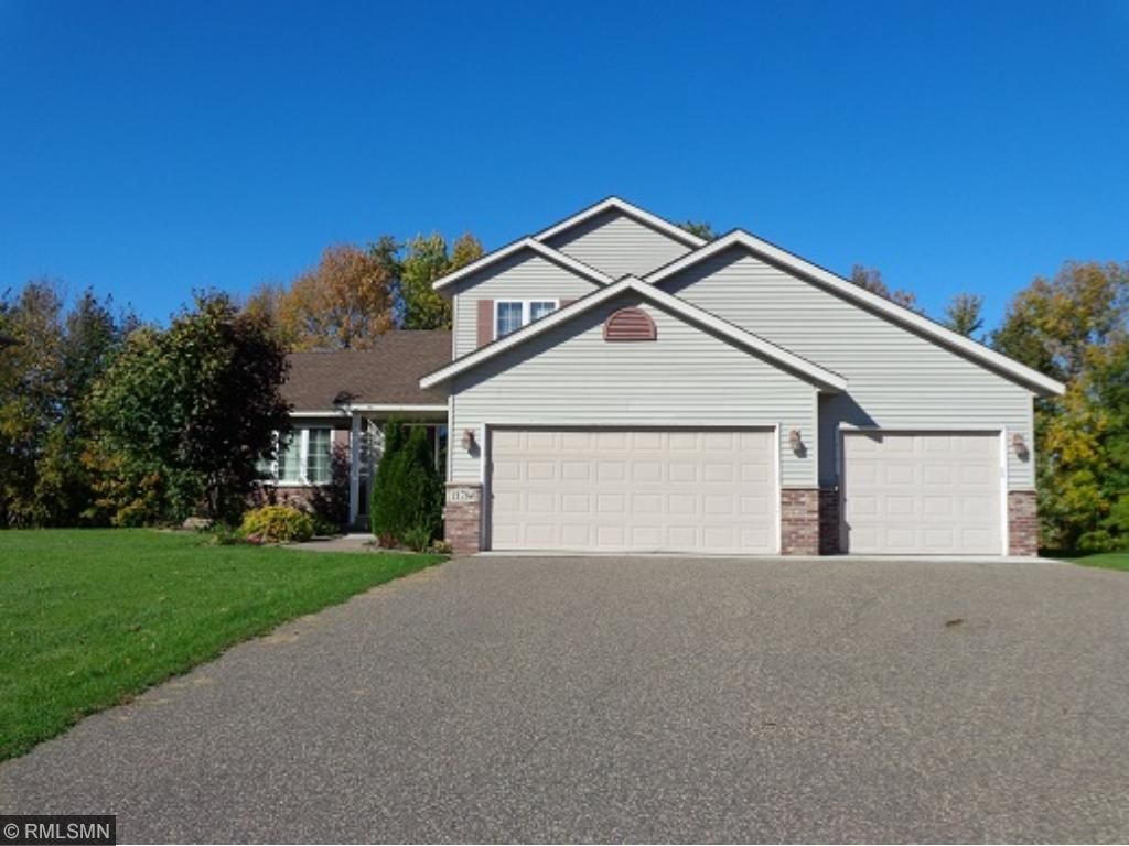 Photo of 11784 N Meadow Curve  Lindstrom  MN