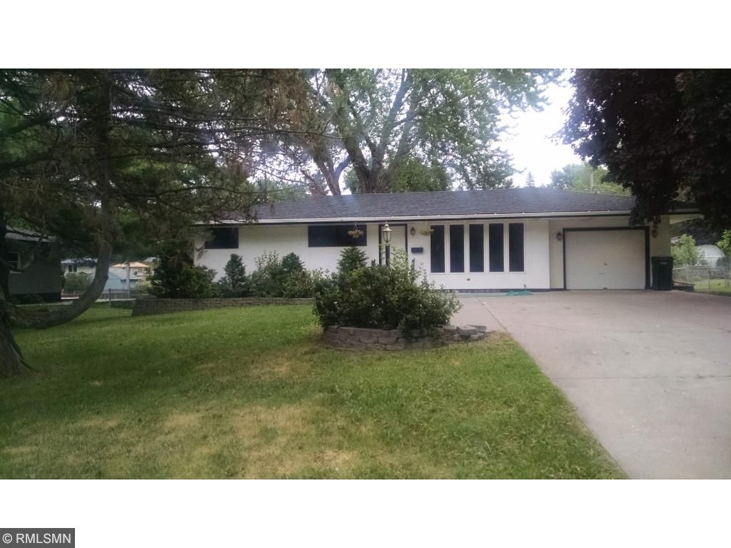 Photo of 2708 Western Avenue N  Roseville  MN
