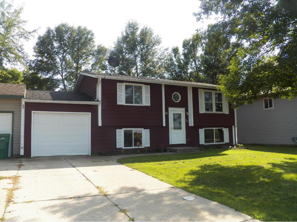 Photo of 505 Westgate Drive  Winsted  MN