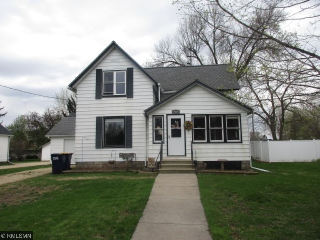 Photo of 429 W Nelson Street  Ellsworth  WI