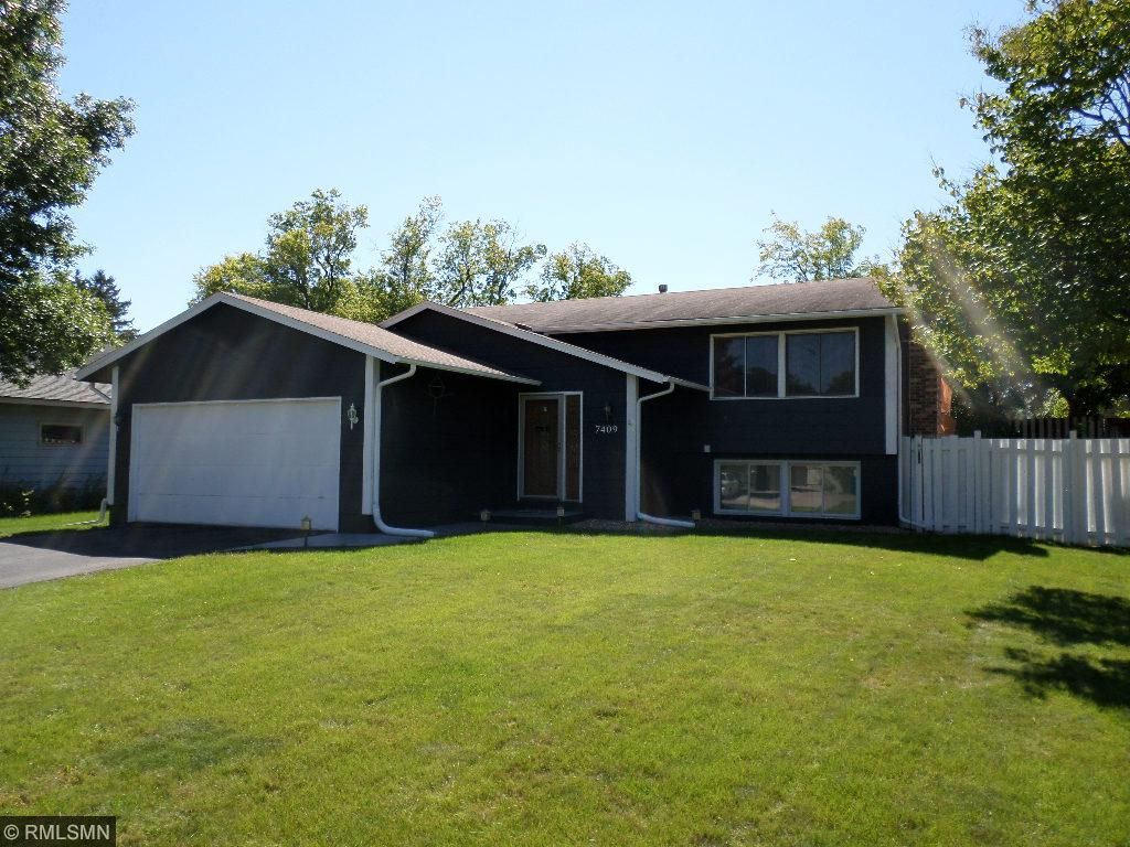 Photo of 7409 74th Avenue N  Brooklyn Park  MN