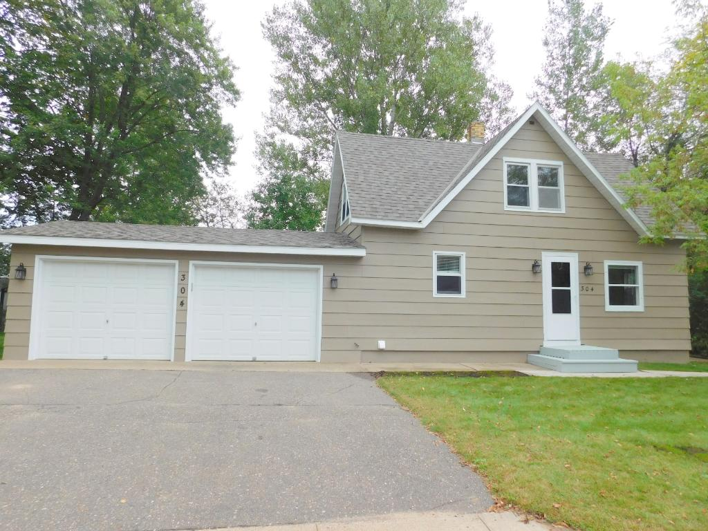 304 6th St Nw, Little Falls, MN 56345