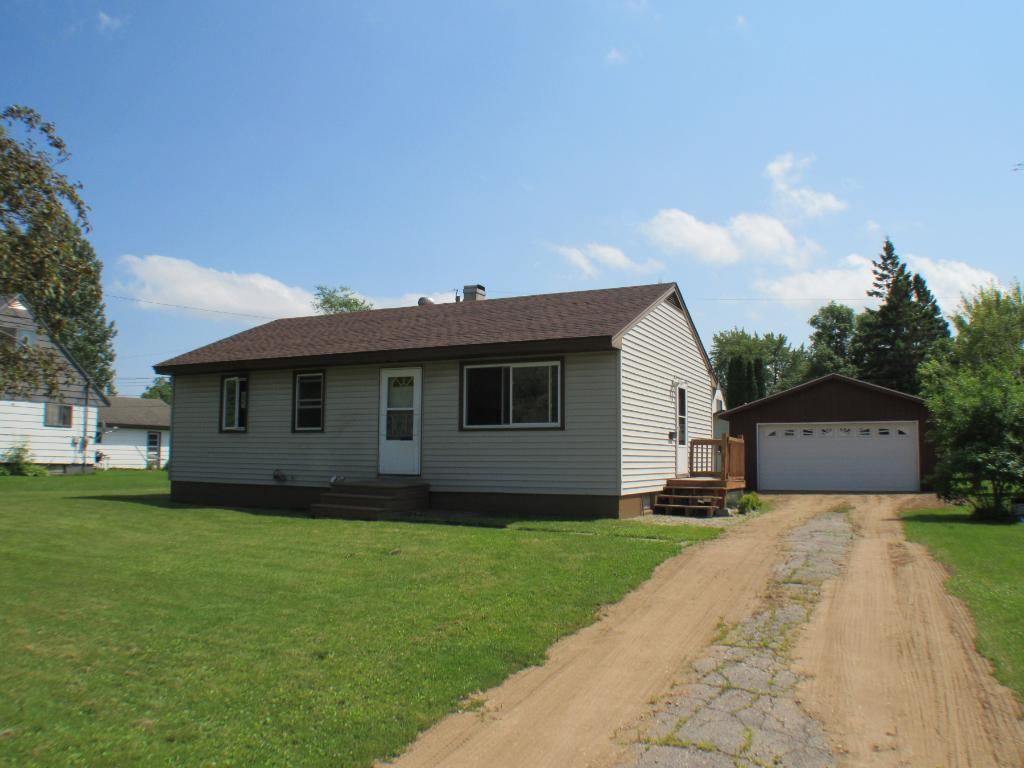 228 Andover Rd, Hoyt Lakes, MN 55750