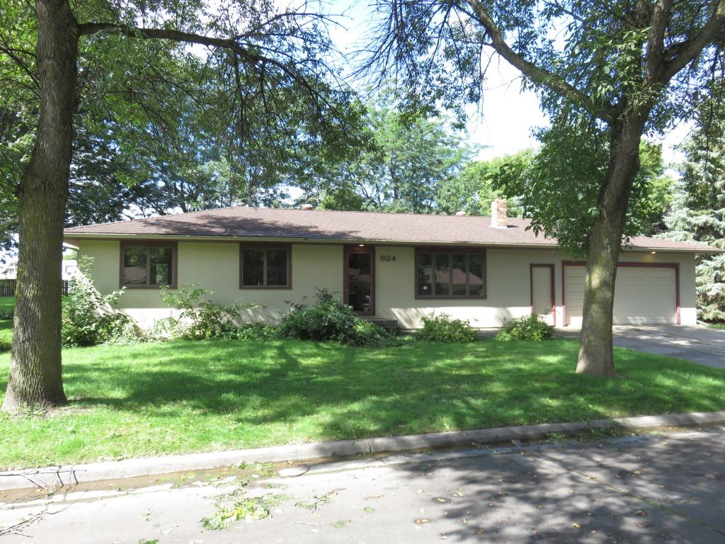 Photo of 924 Keith Street SW  Hutchinson  MN