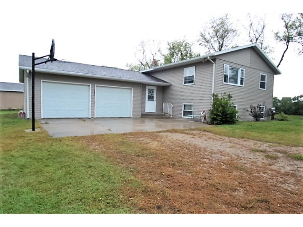 24817 County Road 23, Richmond, MN 56368
