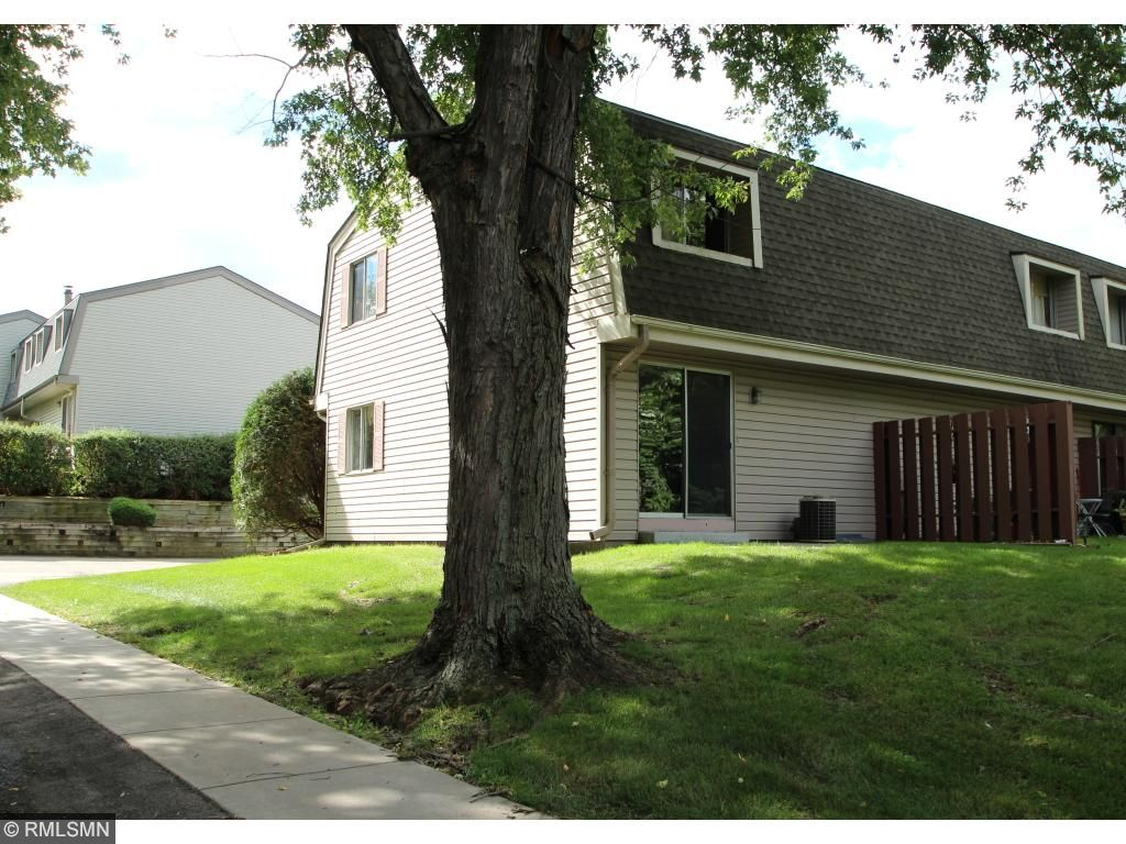 Photo of 2373 Dorland Place E  Maplewood  MN