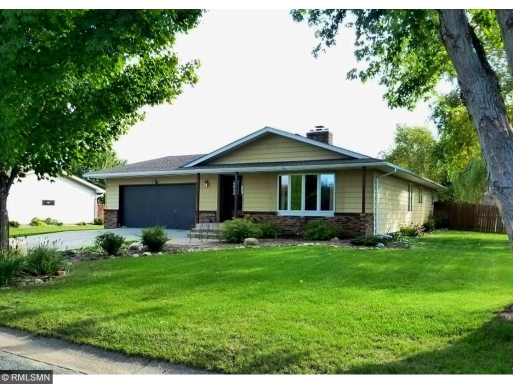 1331 Parkview Dr, New Richmond, WI 54017