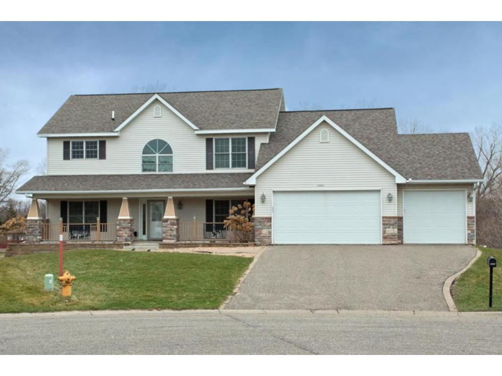 2263 Tilsen Court E, Maplewood in Ramsey County, MN 55119 Home for Sale