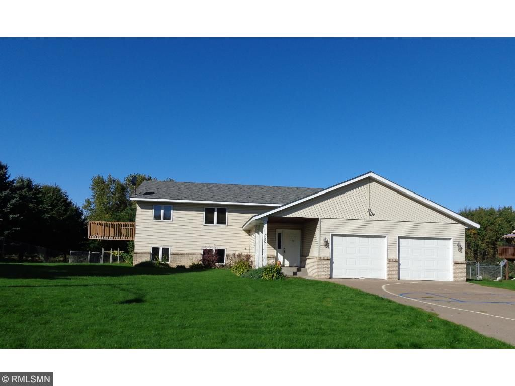820 Southview Ave, Braham, MN 55006