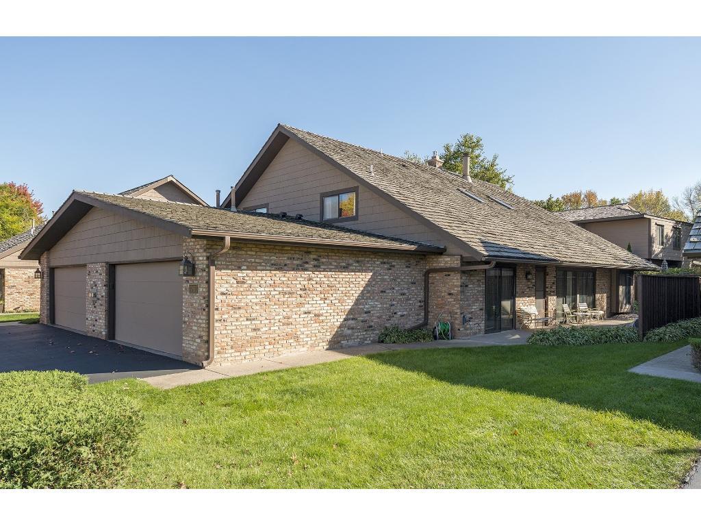 17851 Comstock Rd, Wayzata, MN 55391