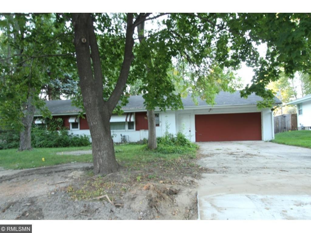 329 Lilac Ln, Shoreview, MN 55126