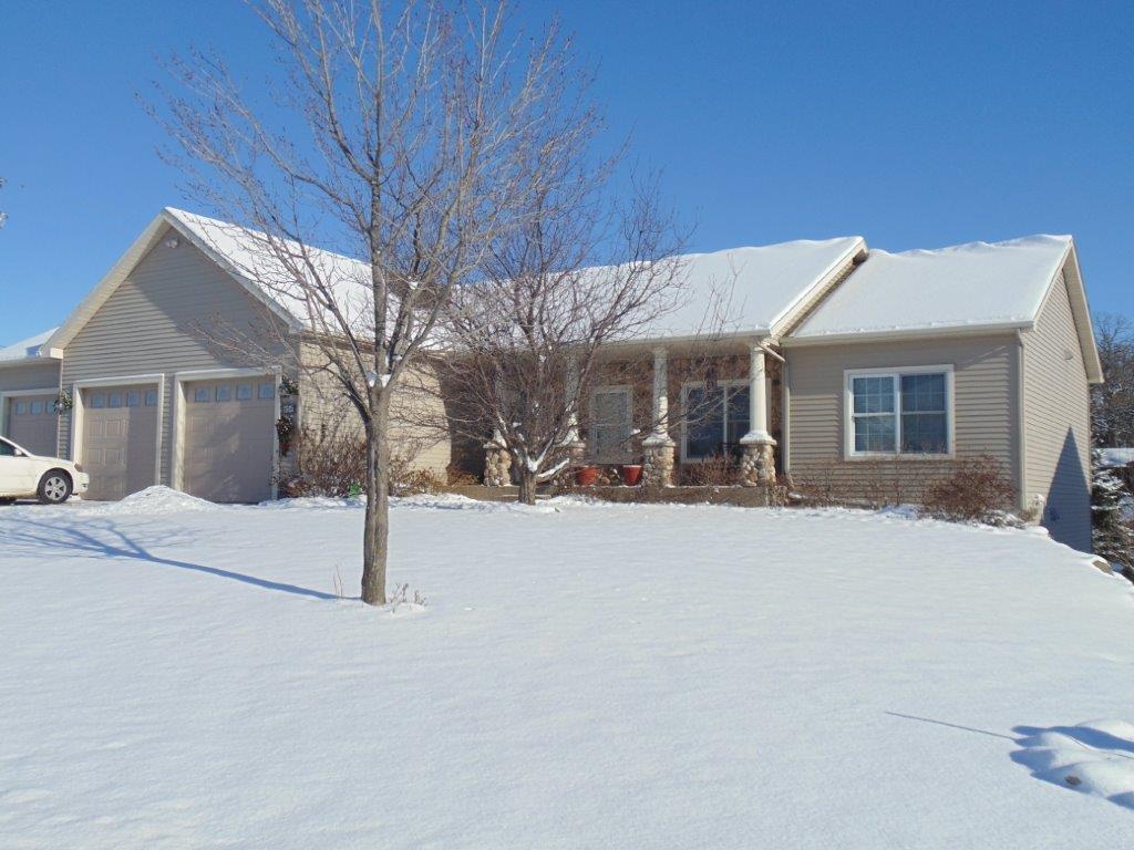936 Oakcrest Ln, Sauk Rapids, MN 56379