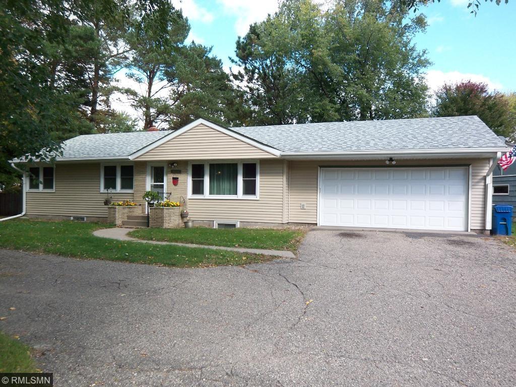 4090 Hodgson Rd, Shoreview, MN 55126