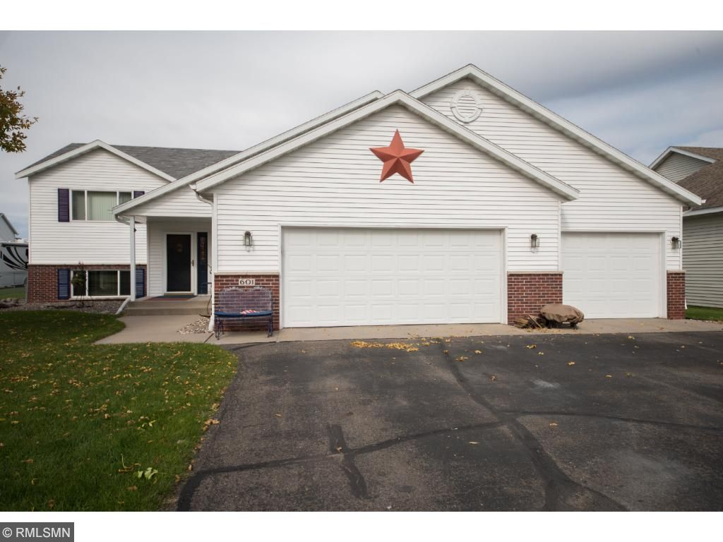 601 Twin Ct, Sauk Rapids, MN 56379