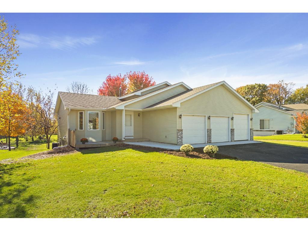 2780 Oak Ridge Dr, Monticello, MN 55362