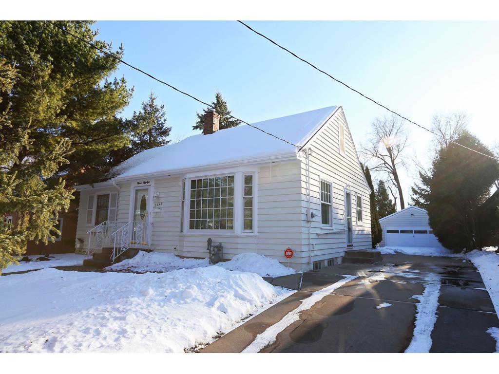 1558 Ivy Ave E, Saint Paul, MN 55106