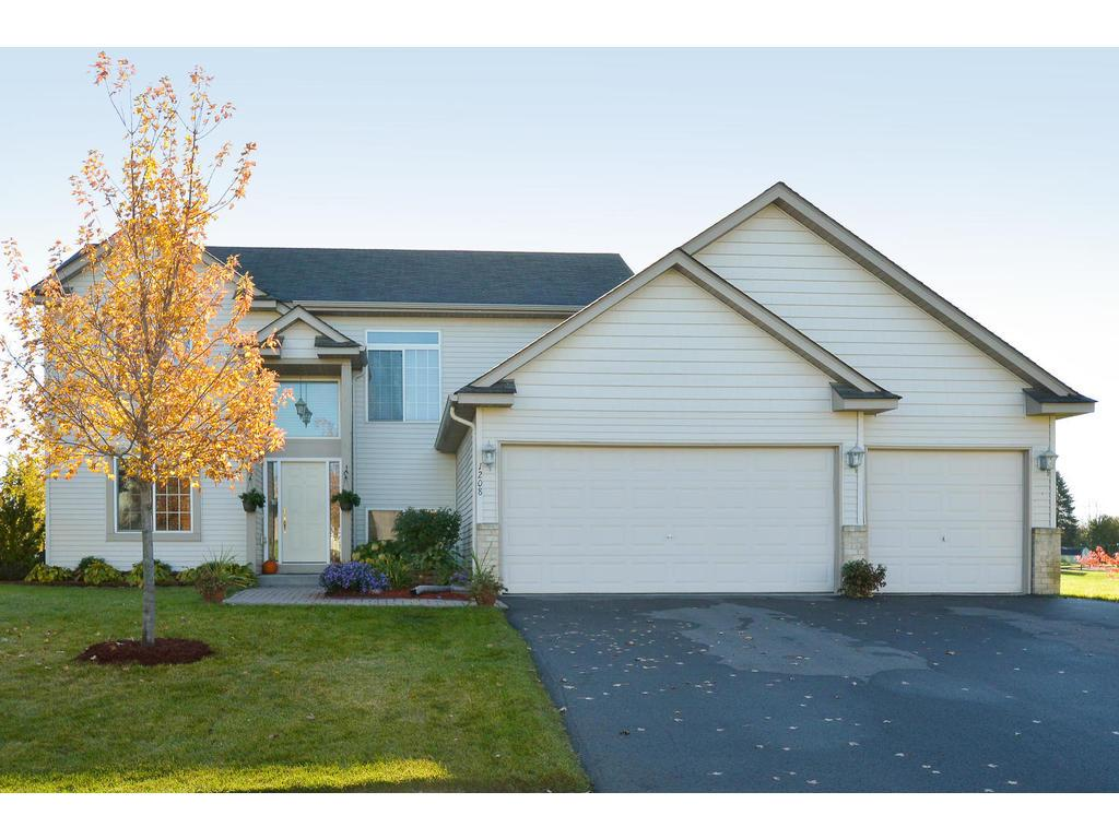 Photo of 1208 Meadow Parkway  Mayer  MN