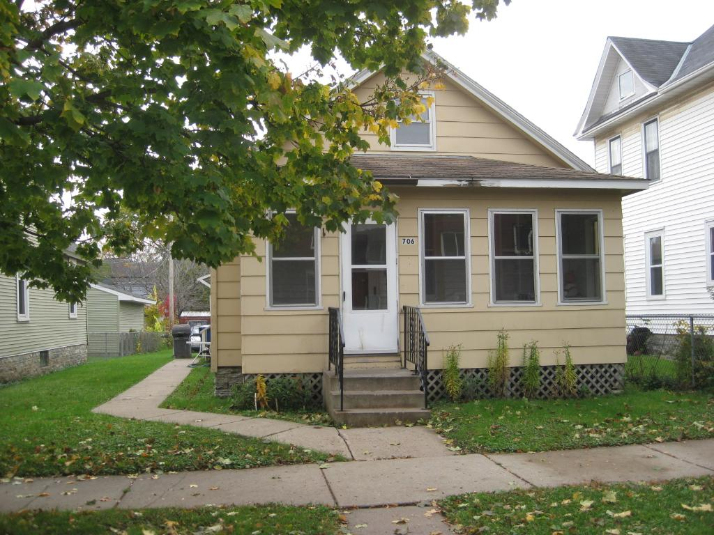 706 Armstrong Ave, Saint Paul, MN 55102