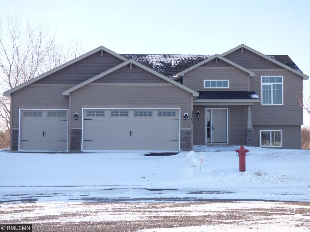 Photo of 1109 Golf Court  Foley  MN