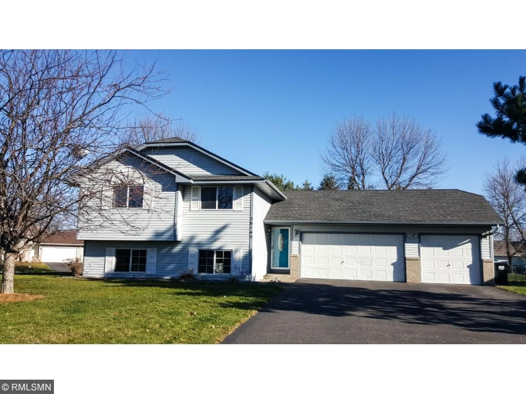 26145 Goldfinch Ct, Wyoming, MN 55092